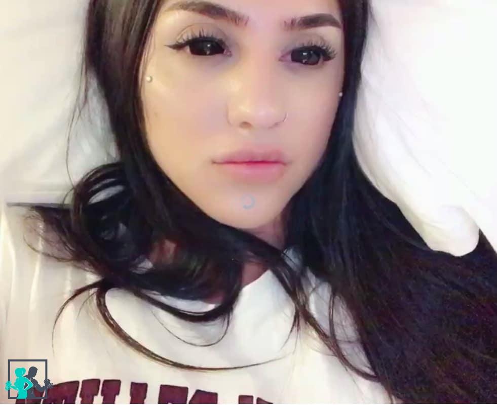 Bakhar Nabieva vue de face