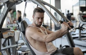 Comment avoir un torse musclé et dessiné en musculation